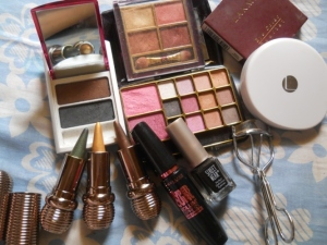 Eye-Makeup-Products